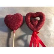 Сердце - пик 4 см красное пластик